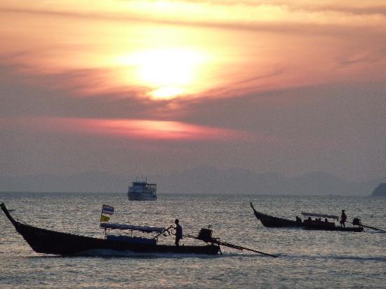Aonang Goodwill: nice beach sunsets