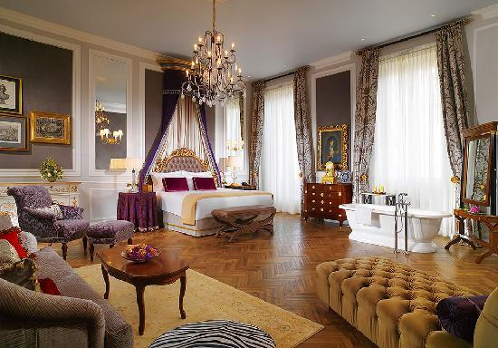 The St. Regis Florence: Kolhapur Junior Suite