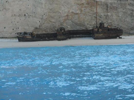 Navagio Beach (Shipwreck Beach): Smugglers cove