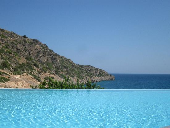 Daios Cove Luxury Resort & Villas: Infinity Pool and the Cove