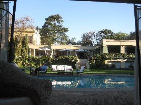 Fairlawns Boutique Hotel & Spa : Looking towards the restaurant