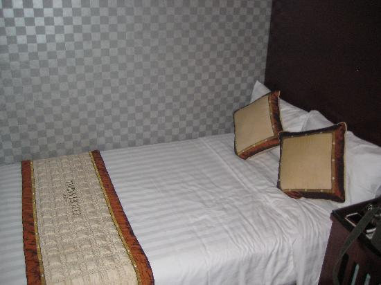 Hanoi Twins Hotel: エアコンもガンガン効きます