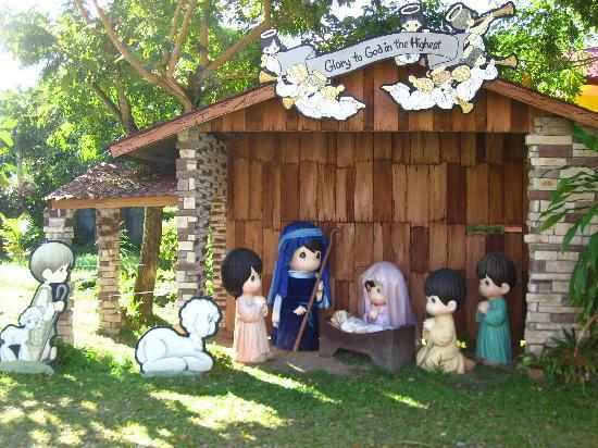 Sampaguita Gardens: Nativity Scene