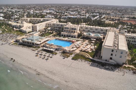 Radisson Blu Ulysse Resort & Thalasso Djerba: Vue aérienne...