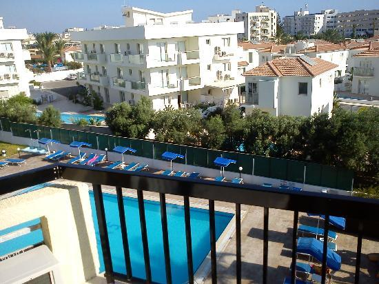 Livas Hotel Apartments: view from room 304 towards pool