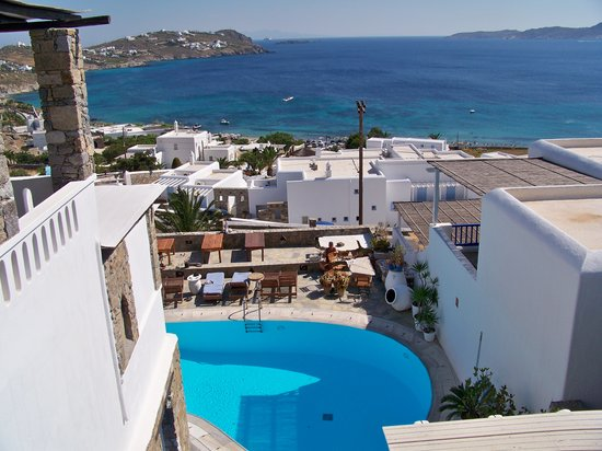 Agios Ioannis, Yunanistan: View from small balcony at Voula's Apartments