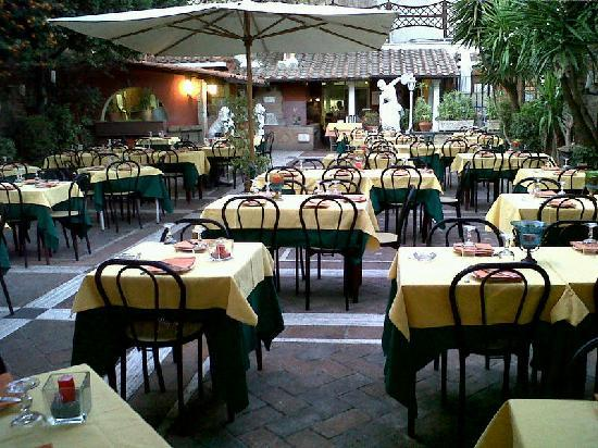 San Michele: The garden setting makes the place very dramatic to enjoy a sumptuous Italian dinner.