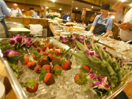 Nordic Lodge Chocolate Dipped Strawberries