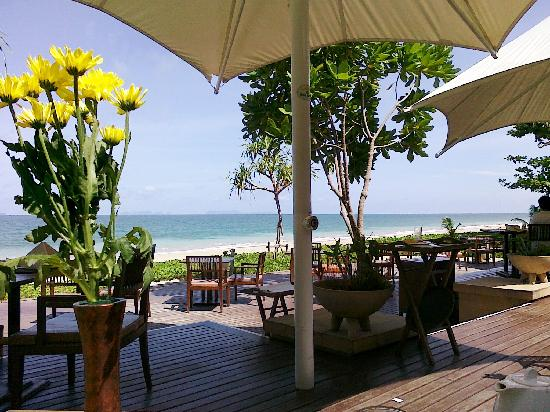 Layana Resort and Spa: Perfect views at breakfast, lunch & dinner
