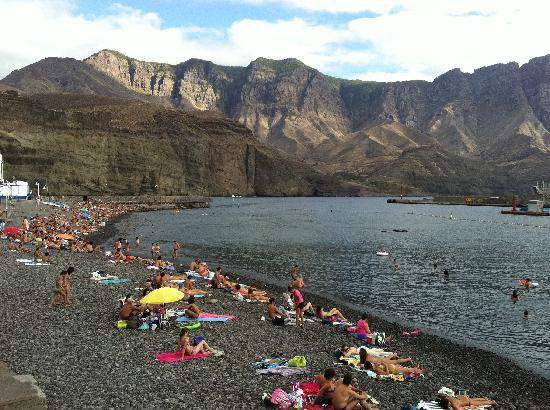Agaete, Spanyol: la spiaggia nera al porto a 10 minuti