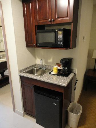 Holiday Inn Express Hotel & Suites Brockville : Cusiine