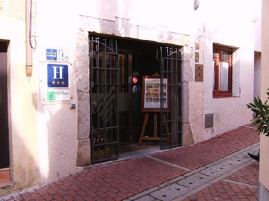 Hotel Rosa: Hotel entrance