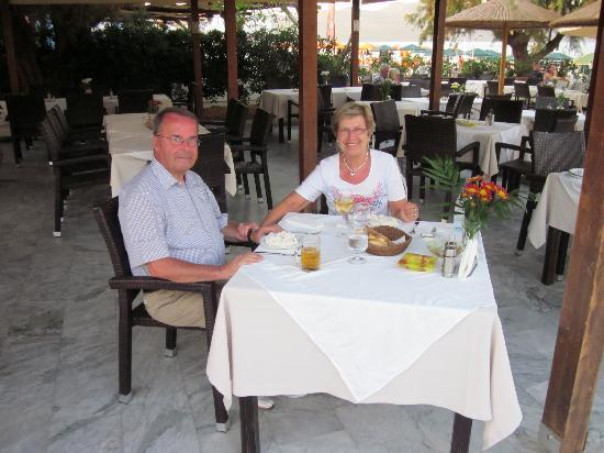 Amalthia Beach Resort: Beach Restaurant