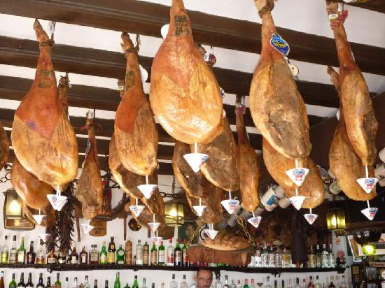 Bar Don Juan: The besy ham in Tossa de Mar