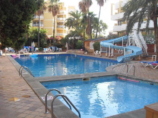 Piscines picture of ola hotel panama palmanova for Piscine ronchin