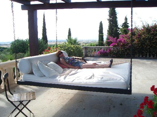 La Reserva Rotana: Overlooking the pool