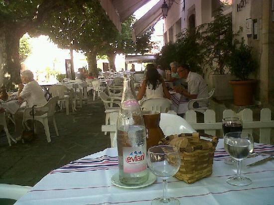 Hôtel-Restaurant Arraya : notre table sur la terrasse