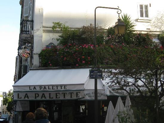Hotel Prince de Conde: La Palette, nice cafe nearby