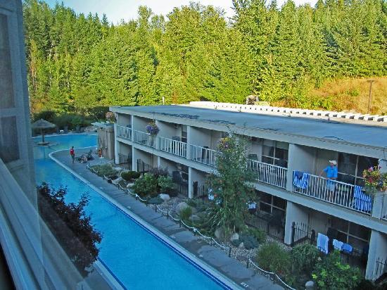 Hilltop Inn: Podollan Inn Room 308 view of pool