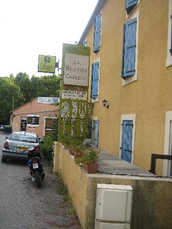 La Bastide Cabezac: Hotel from the main road.