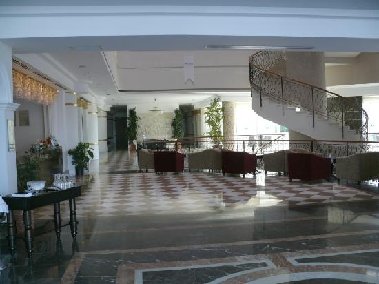 Roma Beach Resort & Spa: Entrance hall & Reception