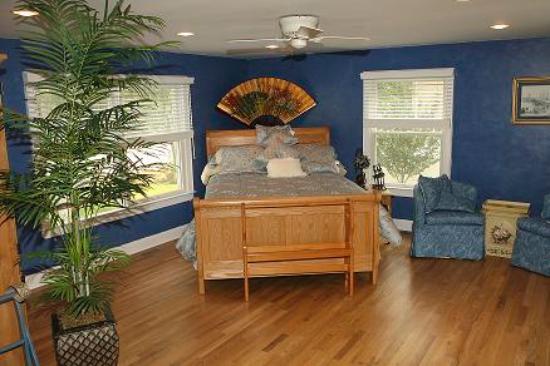 Hamptons House of Gardens Bed & Breakfast: Grand Suite