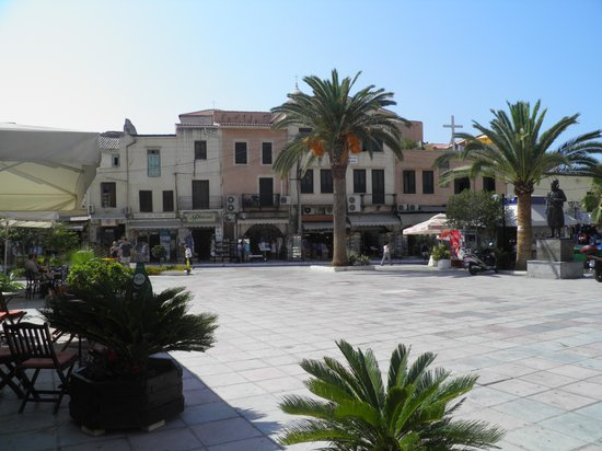 Ancient Aptera: la piazzetta di Chania