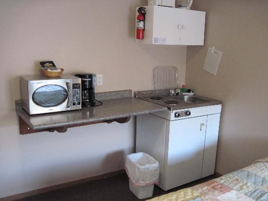 Ainsworth Motel : Even a tea kettle!