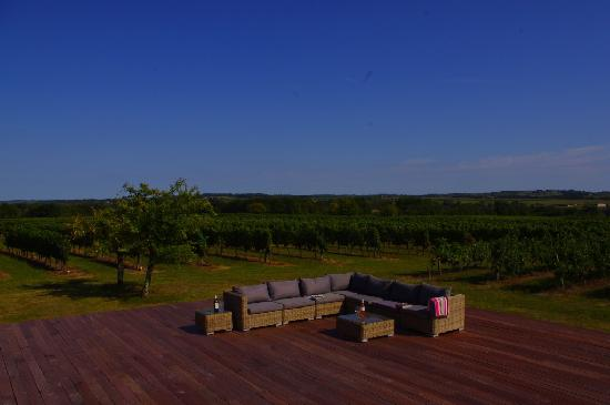 L'Autre Vie: A blend of boutique hotel & B&B charm, surrounded by Bordeaux's vineyards: Sit back, relax & take in the view
