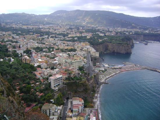 Best Tour Of Italy: Along the Amalfi Coast