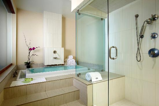 The Westin San Diego Gaslamp Quarter: Renewal Suite bathroom