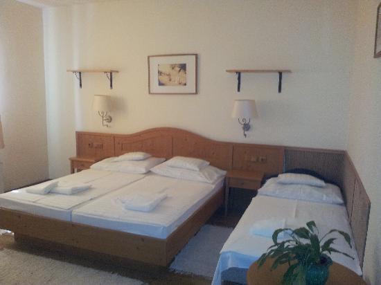 Gastland M1 Hotel & Restaurant