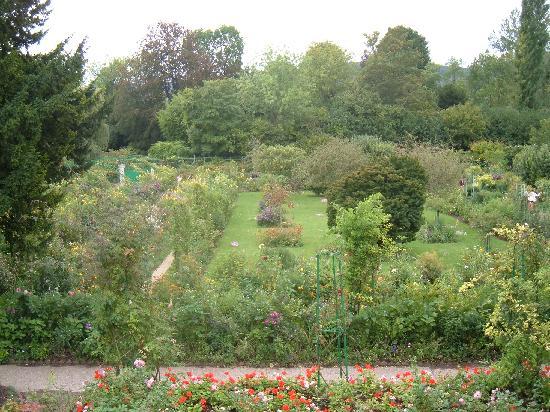 สวนและบ้านของเคลาด์โมเนท์: View from the Bedroom