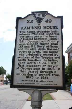 Kaminski House Museum : Historic marker on Front  Street