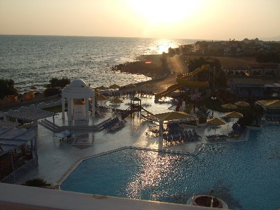 Serita Beach Hotel: Blick vom Balkon