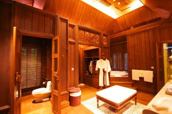 The Dhara Dhevi Chiang Mai: Master bathroom