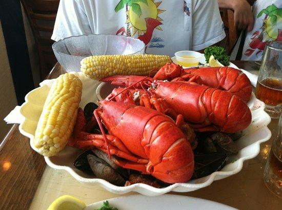 New England Fish Market & Restaurant: lobster mania clam bake