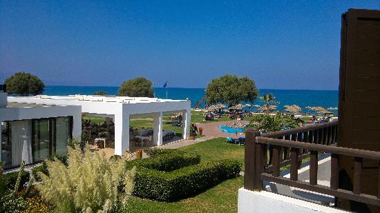 Geraniotis Beach Hotel: Utsikt fra verandaen