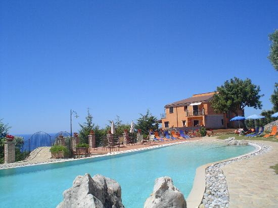Hotel Relais du Silence Pian Delle Starze: panorama dalla piscina