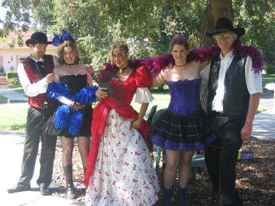 Woodland, CA: In costume for the Stroll Through History