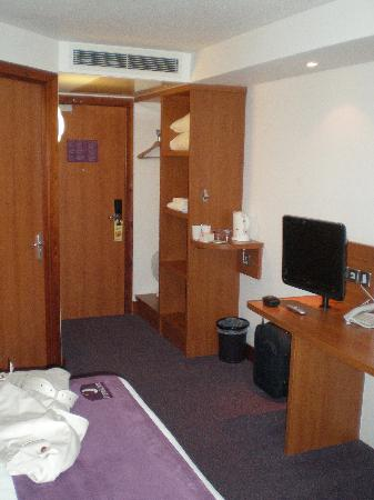 Premier Inn Southampton Airport Hotel: Other view.