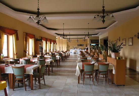 Eliska Hotel: breakfast hall