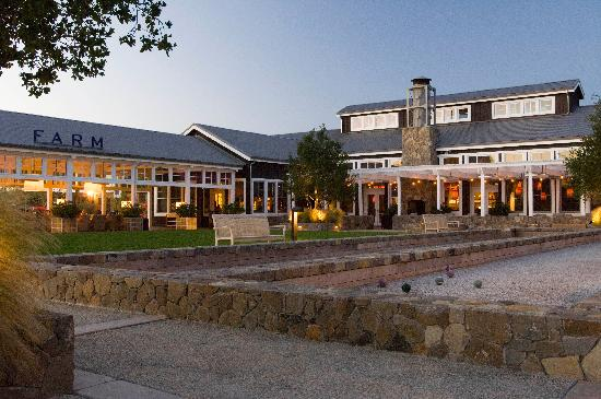 Carneros Resort and Spa: FARM Restaurant and Town Square at The Carneros Inn