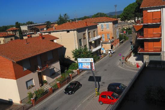 La Vela: Blick von unserem Balkon auf die Straße