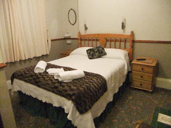 The Strathmore: Room No. 5