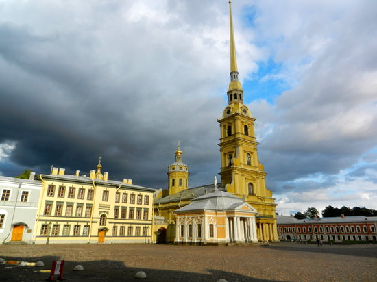 Tour-in-StPetersburg. com - Day Tours: Peter-Paul-Kathedrale