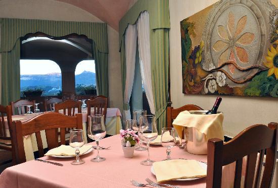 Hotel Birdesu: Sala ristorante