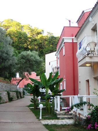 Neilson Adakoy Beachclub: hotel grounds