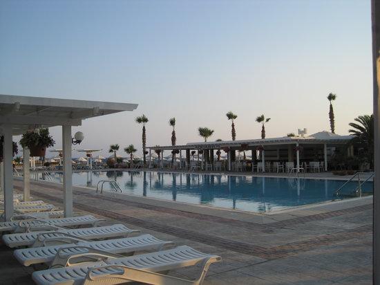 Dome Beach Hotel & Resort PAI: Large pool