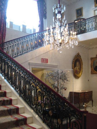 Hillwood Estate, Museum & Gardens : Center staircase